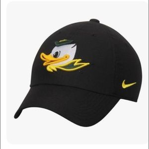 Nike Oregon Ducks Heritage Classic Logo Cap Black